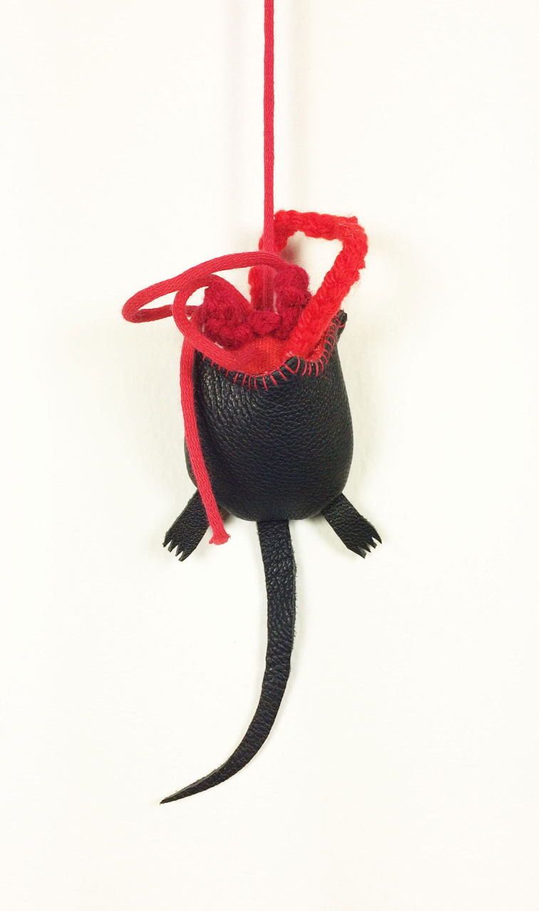 cat_toy_half_a_mouse_2
