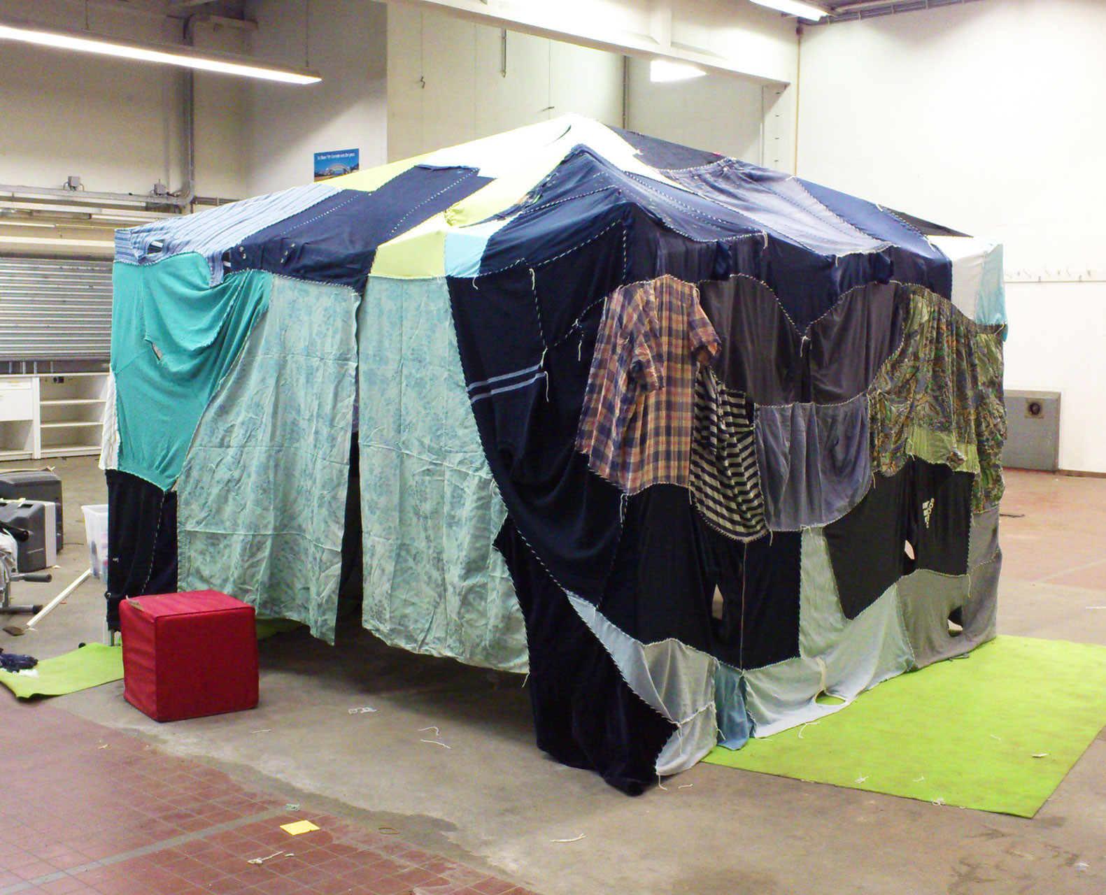 clothing_tent_blue_1