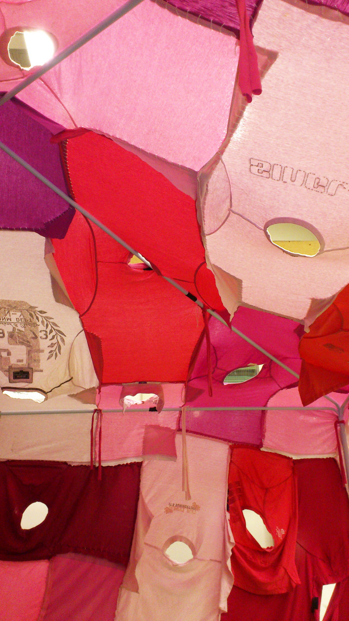 clothing_tent_pink_inside_1