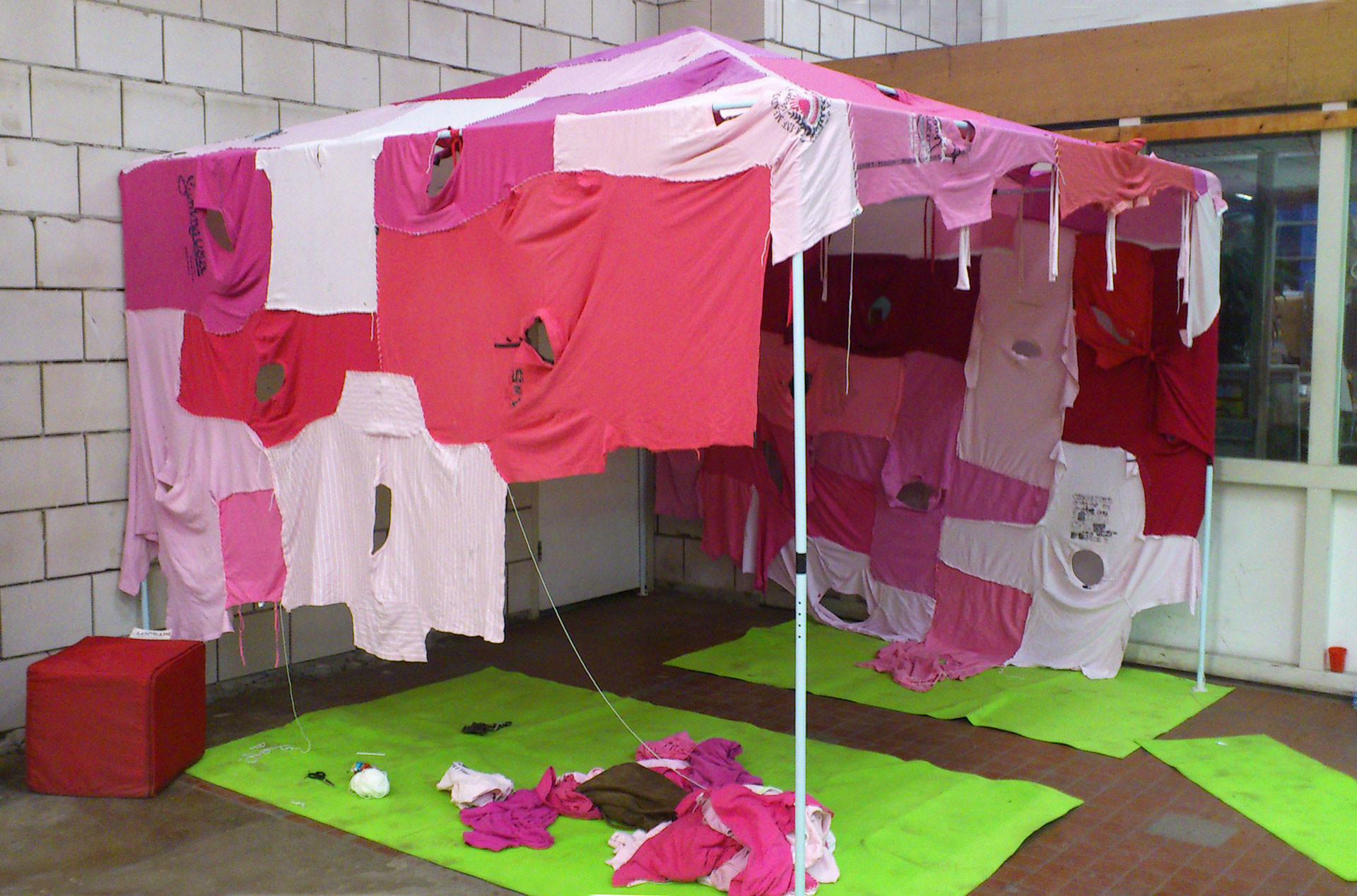 clothing_tent_pink_process_1
