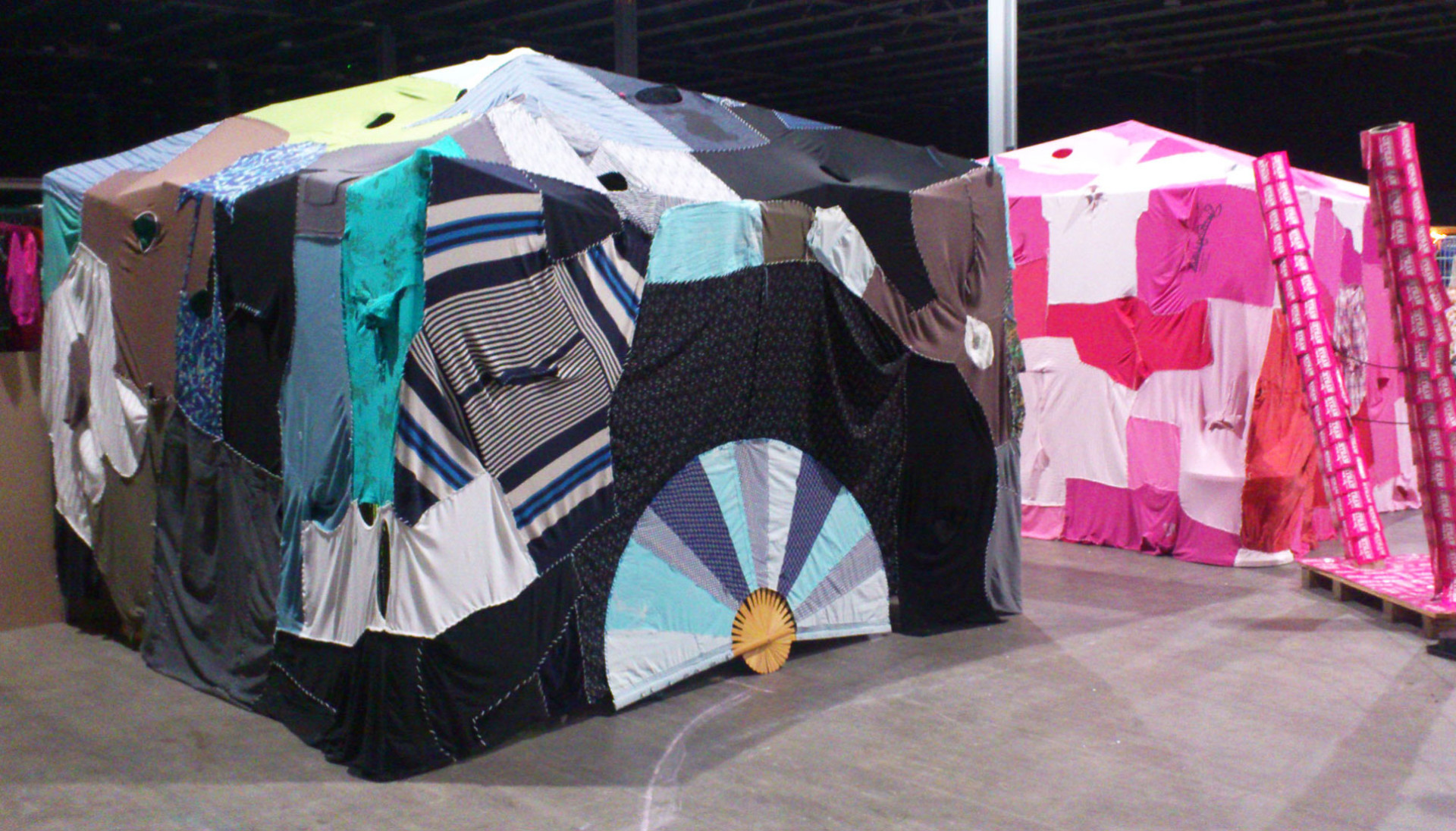 clothing_tents_annienke