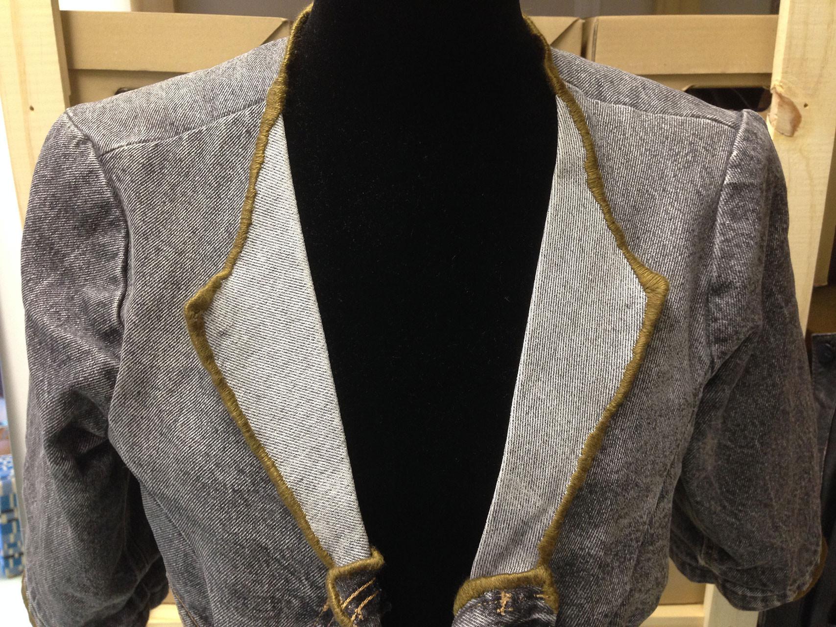 embroidered_details_denim_jacket