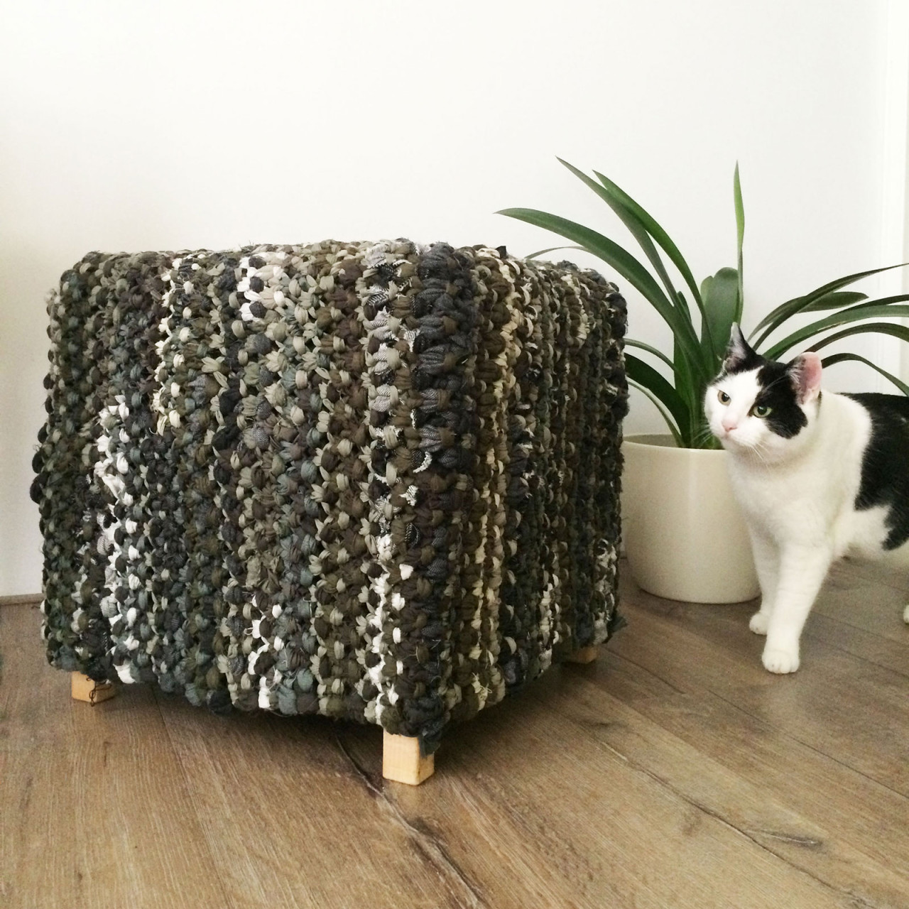 poof_macrame_square_2