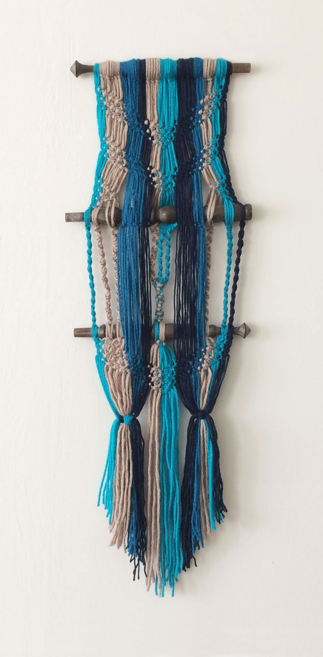 wallhanging_macrame_spinning_wheel_annienke