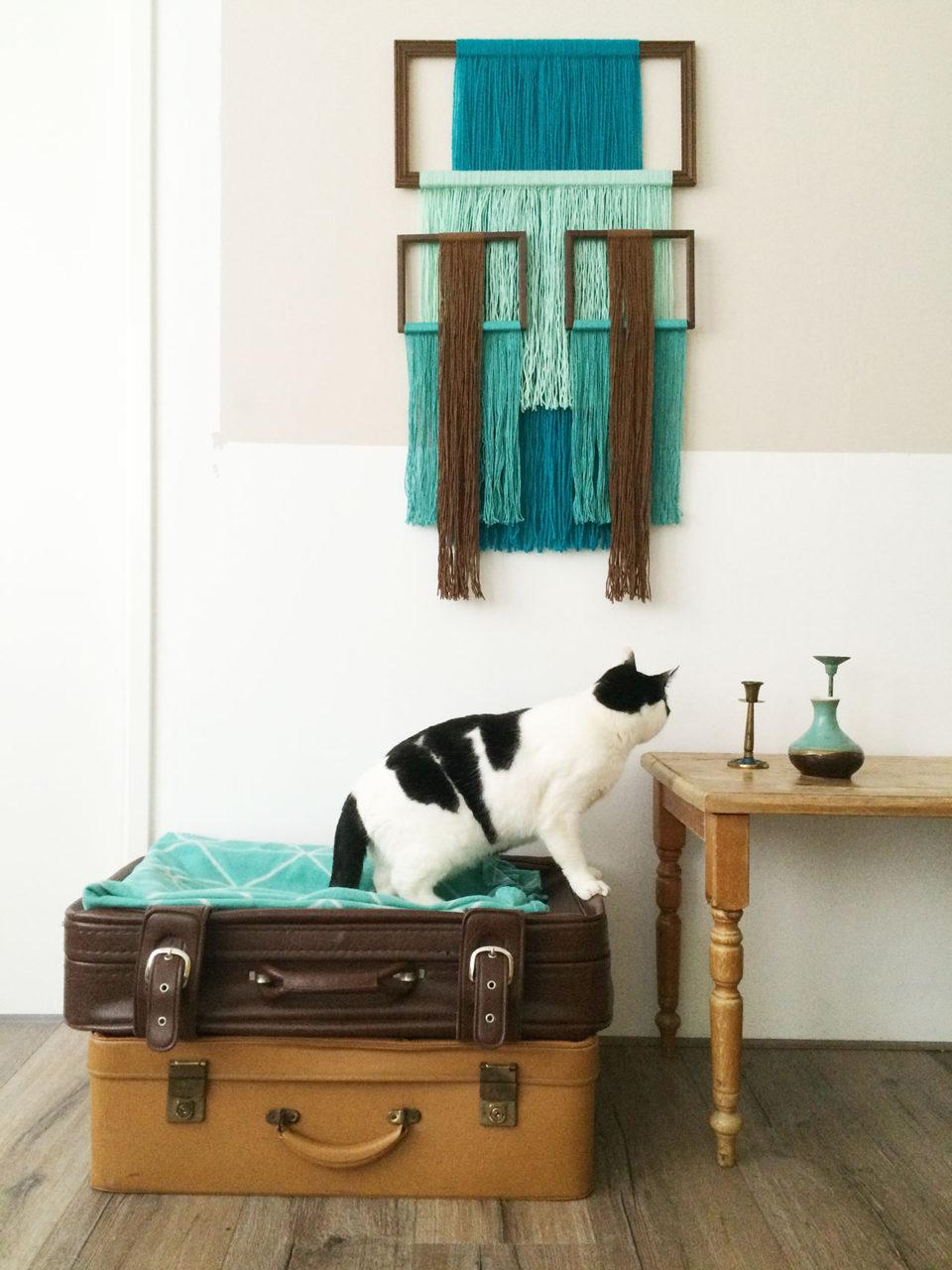 wallhanging_yarn_cat_annienke