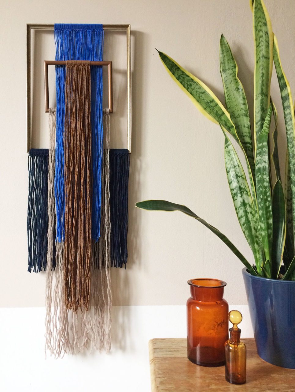 wallhanging_yarn_frames_delicate_3