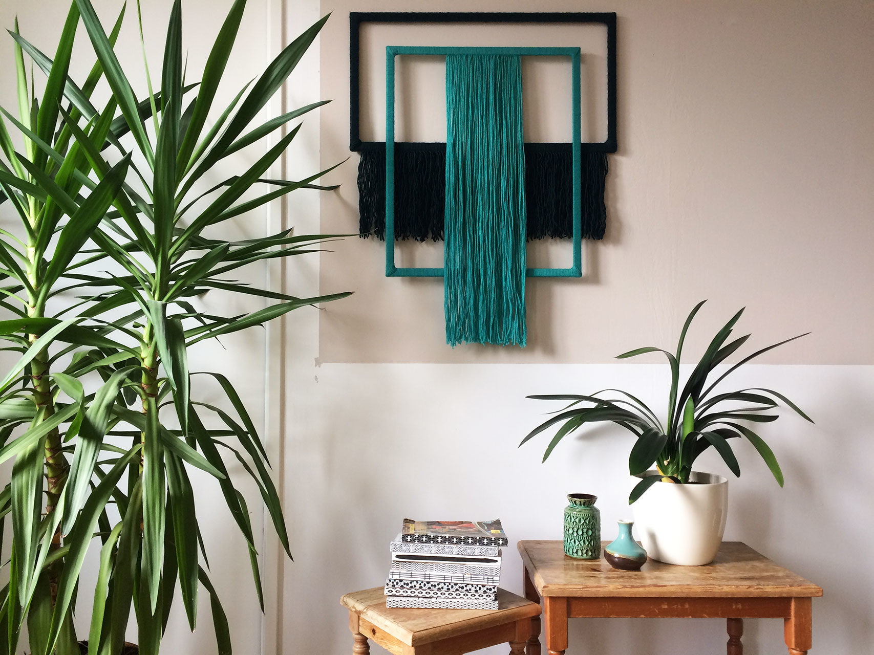 wallhanging_yarn_wrapped_blue_green_3