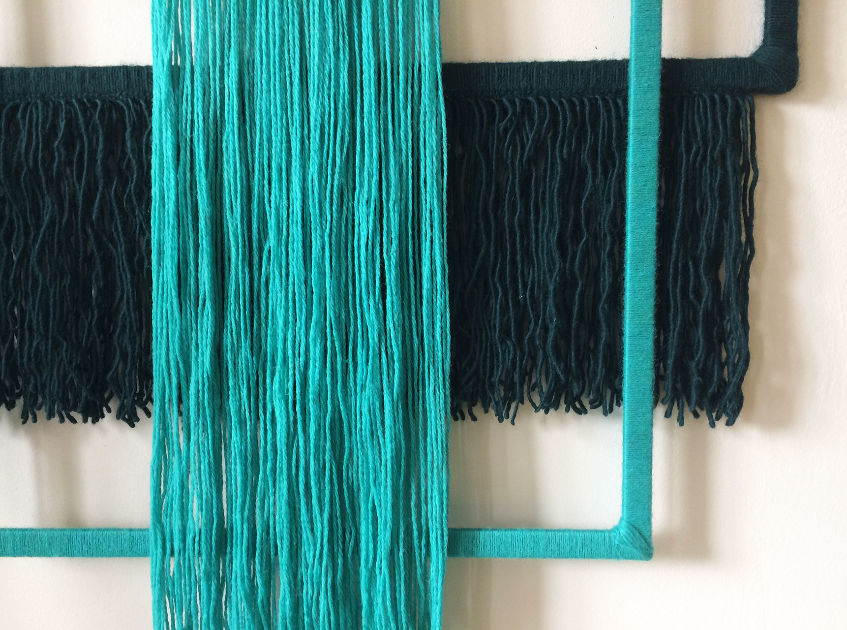 wallhanging_yarn_wrapped_blue_green_4