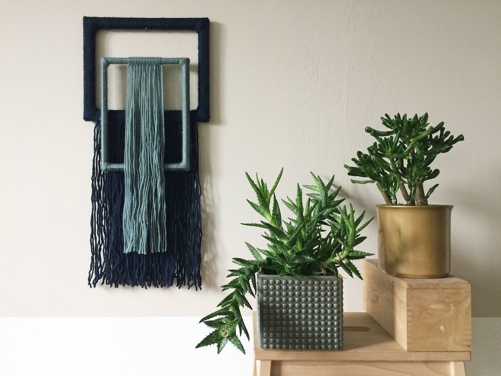 wallhanging_yarn_wrapped_small_1
