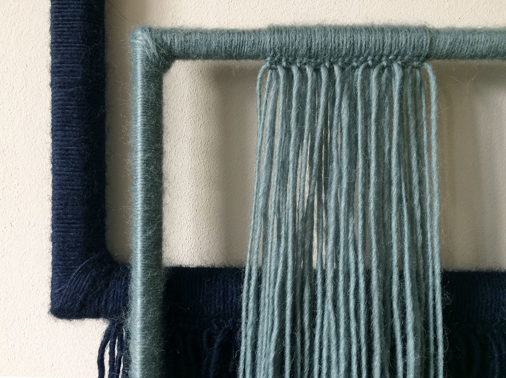 wallhanging_yarn_wrapped_small_2