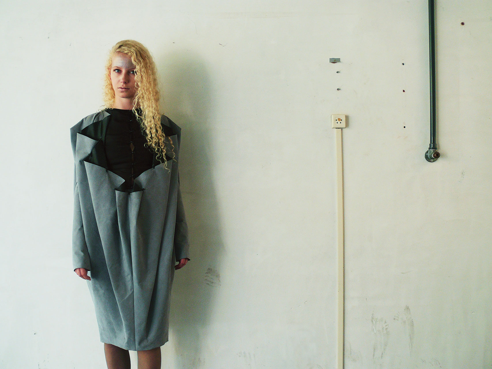 disorder_grey_pleated_dress_front_annienke