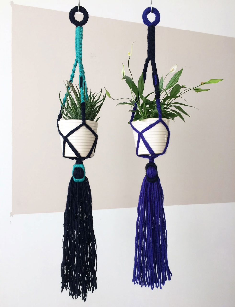 Buckle_Macrame_Plant_Hanger_AquaGreen_NavyBlue_AND_CobaltBlue_NavyBlue_3
