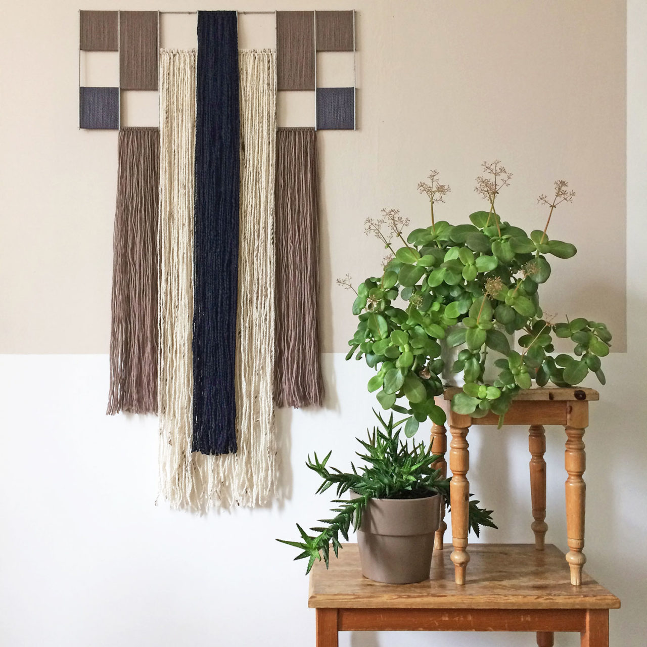 yarn_wallhanging_taupe_annienke_duno_1
