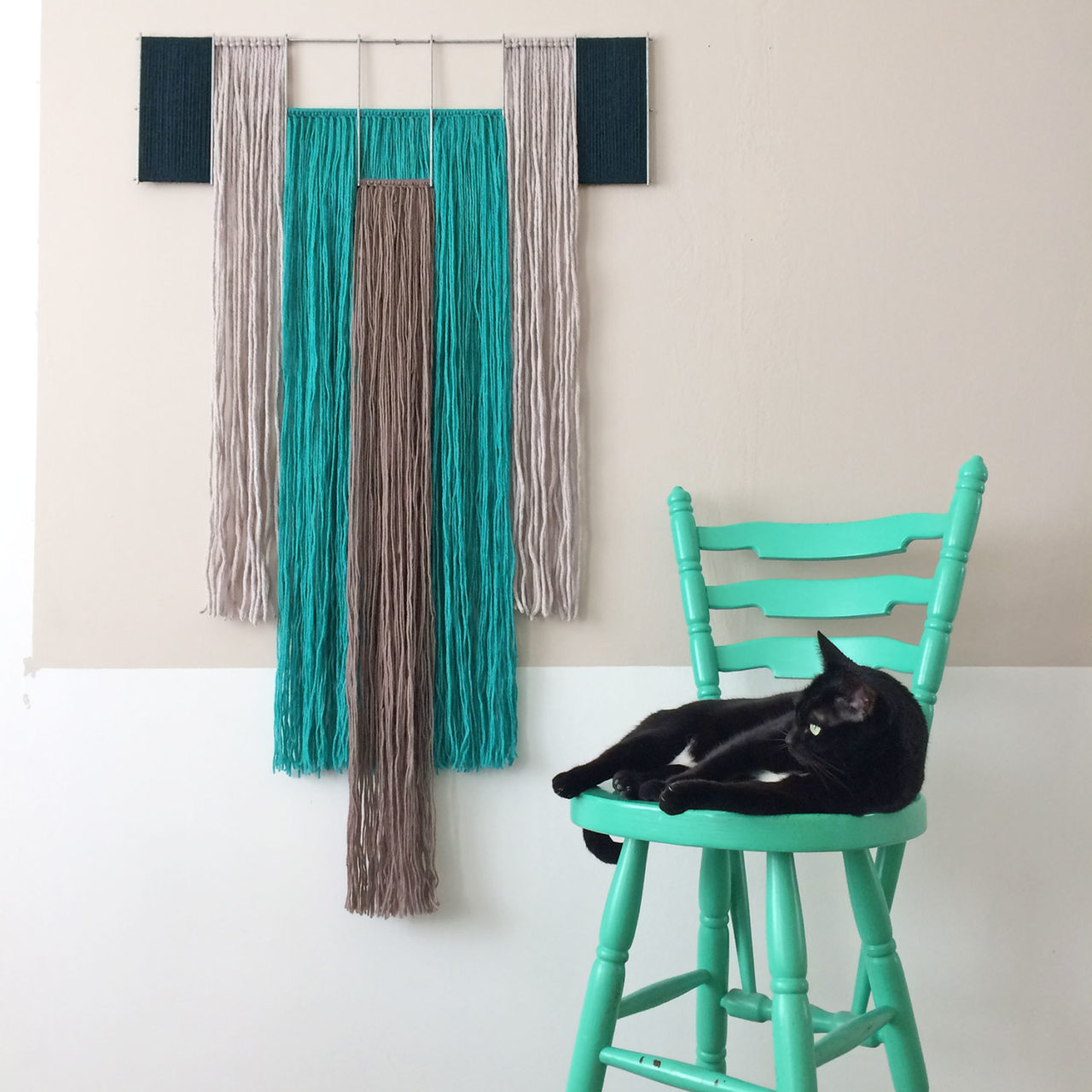 yarn_wallhanging_turquoise_annienke_kimo_5