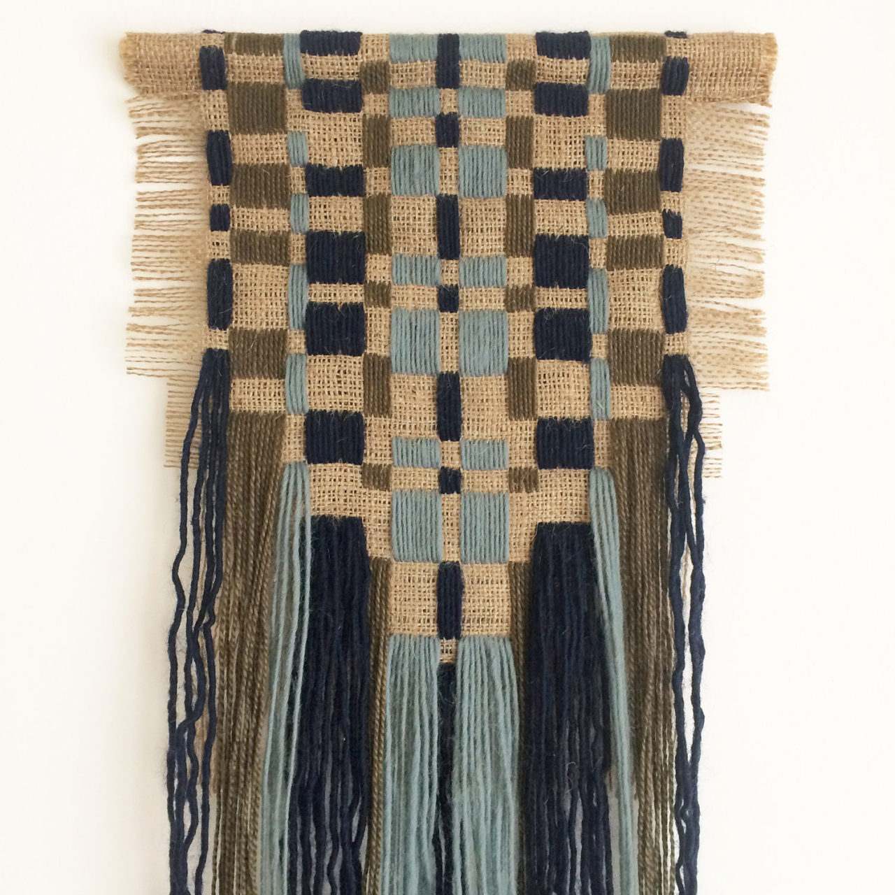 wallhanging_embroidered_burlap_olive_blue_2